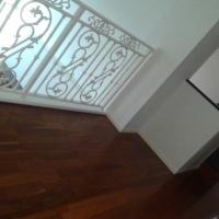 吹抜け部への床造作・特注手摺の取付工事。